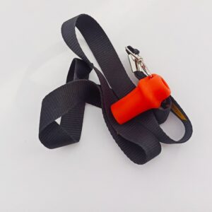 Силиконовый персональный мундштук для кальяна оранжевый на черной нашейной ленте. Производство компании Эко Пробки